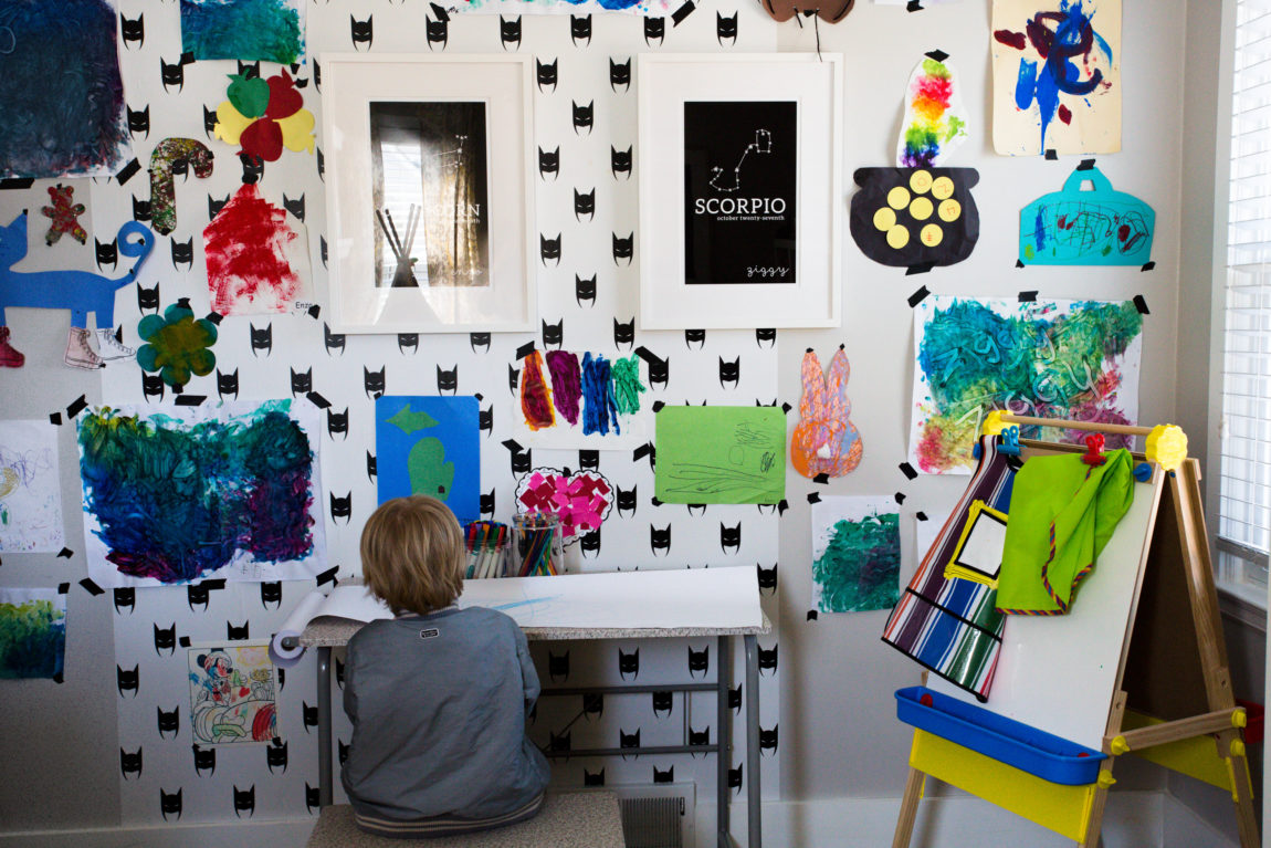 Best ways to display your kids artwork for Creative ways to display artwork